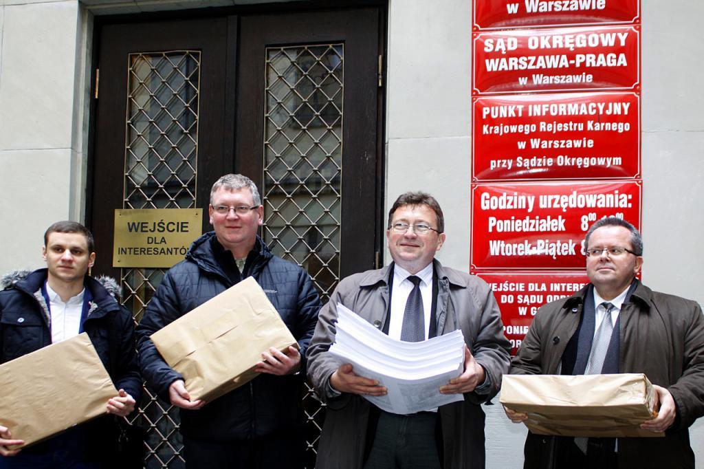 WWS złożył w Sądzie Okręgowym w Warszawie 3585 kopi protestu wyborczego